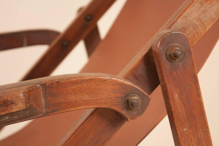 British Campaign Sling Lounge Chair In Good Condition For Sale In Shelburne Falls, MA