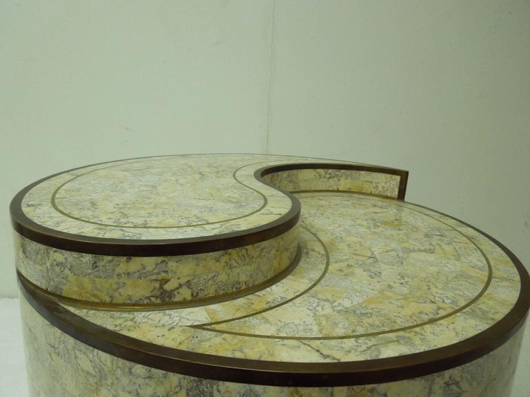 Maitland smith stone and brass yin yang table at 1stdibs for Table yin yang basse