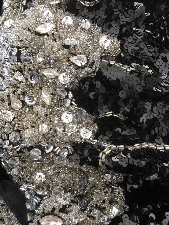 Amazingly Chic Oscar De La Renta Beaded Gown for Bergdof Goodman For Sale 1