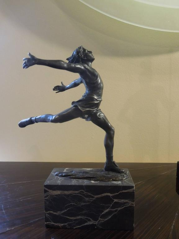 Neoclassical Midcentury Bronze of Male Runner with Marble Base For Sale