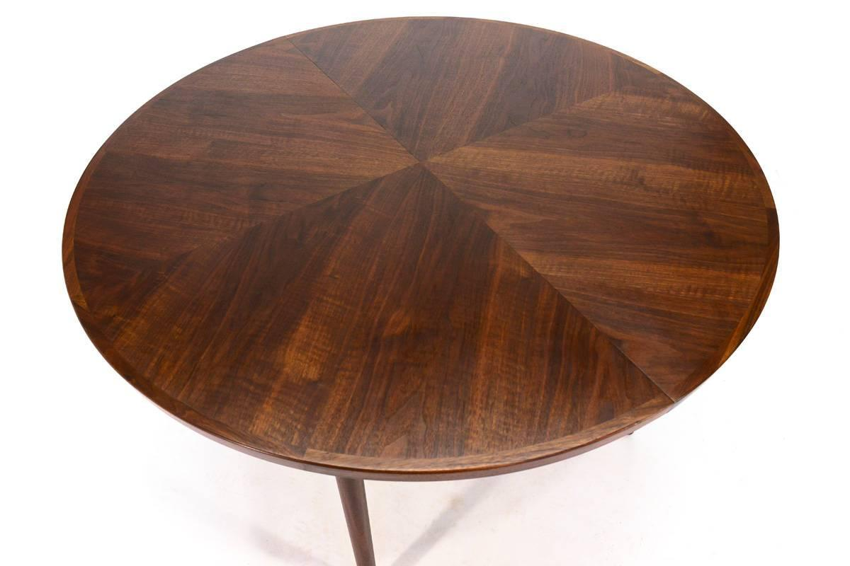 Round Walnut Dining Table By John Keal For Brown Saltman At 1stdibs