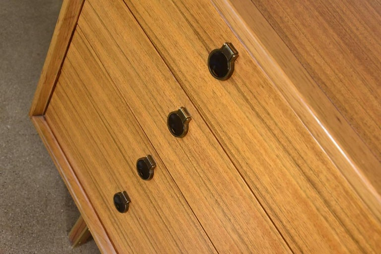 Mahogany and Brass 12-Drawer Dresser In Good Condition For Sale In Long Beach, CA
