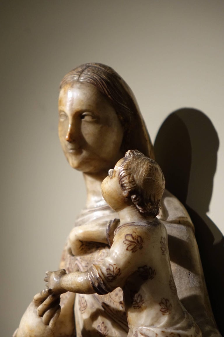 Virgin and Child in Alabaster International Gothic,North of Italy, 16th Century  For Sale 1