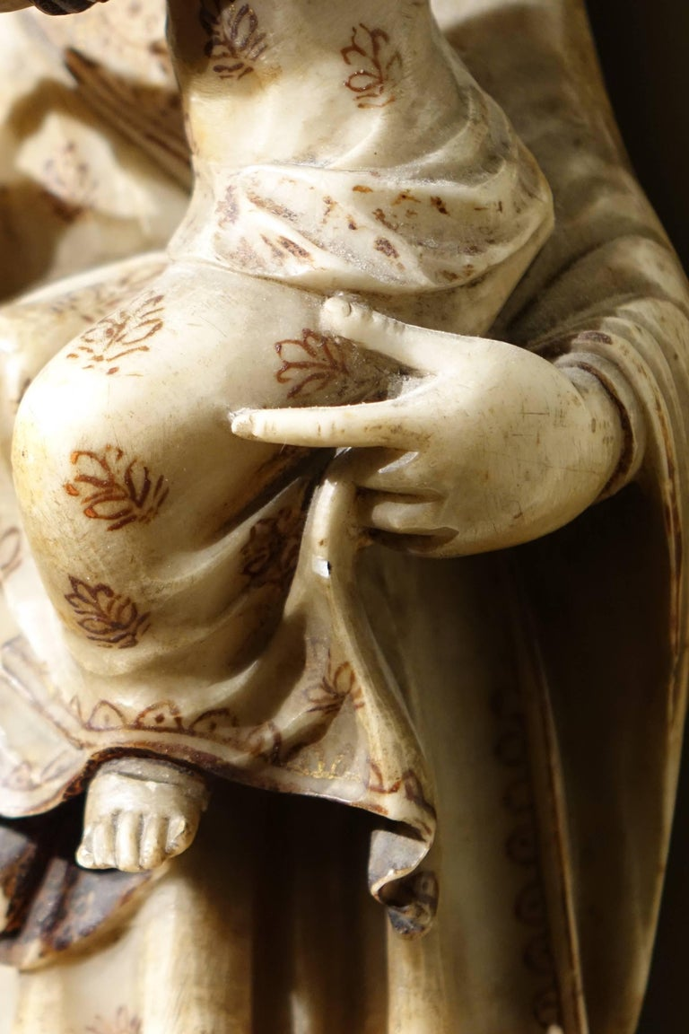 Virgin and Child in Alabaster International Gothic,North of Italy, 16th Century  For Sale 2