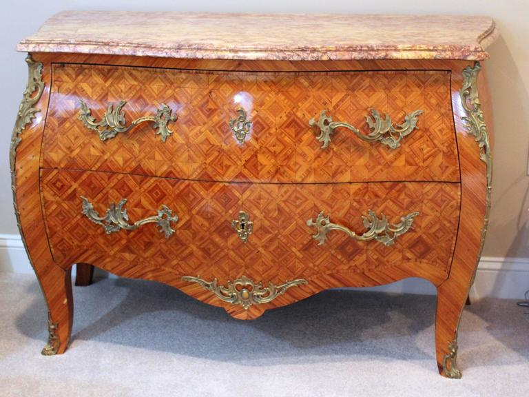 19th Century French Antique Louis XV Style Bombe Commode  For Sale 1