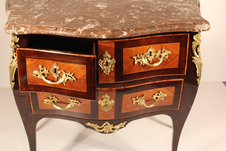 18th Century Louis XV Commode For Sale 1