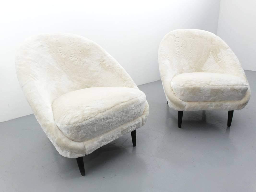 Theo Ruth Artifort Club Chairs Faux Fur At 1stdibs