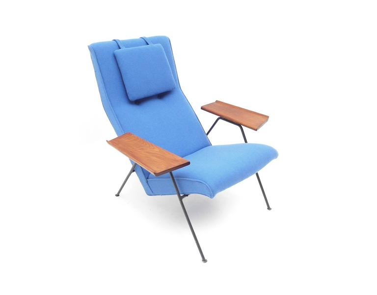Original 1950s Reclining Chair By British Designer Robin Day For Hille For Sa