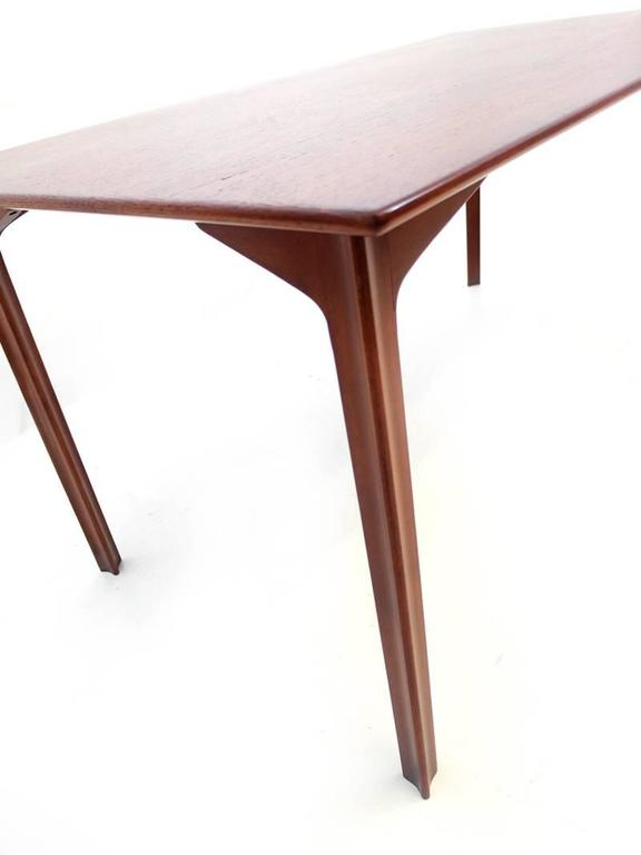 Arne jacobsen grand prix dining table for sale at 1stdibs for 3 sided dining room table
