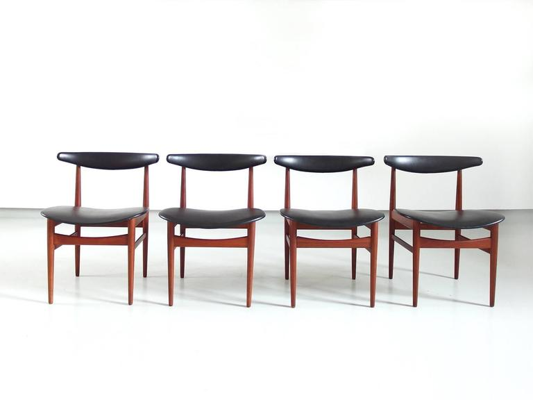 Beautiful Danish Modern Dining Room Chairs Model 218A Attributed To Poul  Hundevad For Vamdrup Stolefabrik,