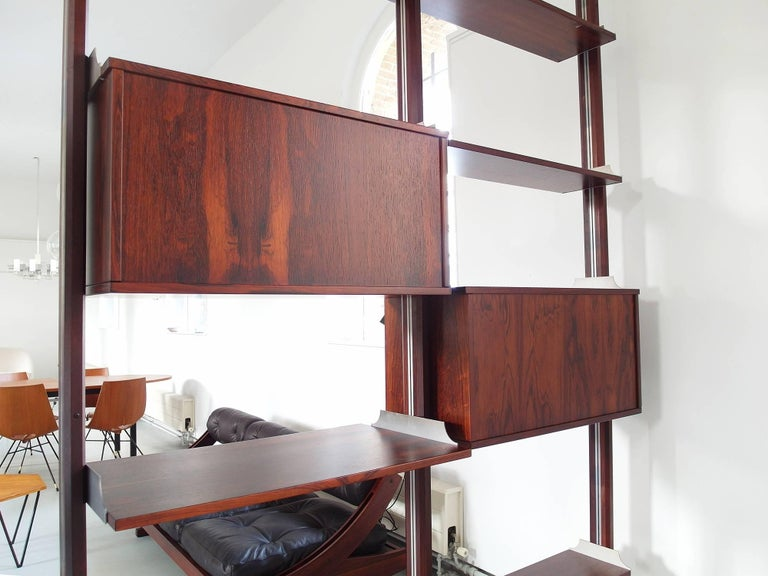 Stildomus Shelving System Library Executed in Caviuna Wood, Italy, circa 1960 For Sale 2
