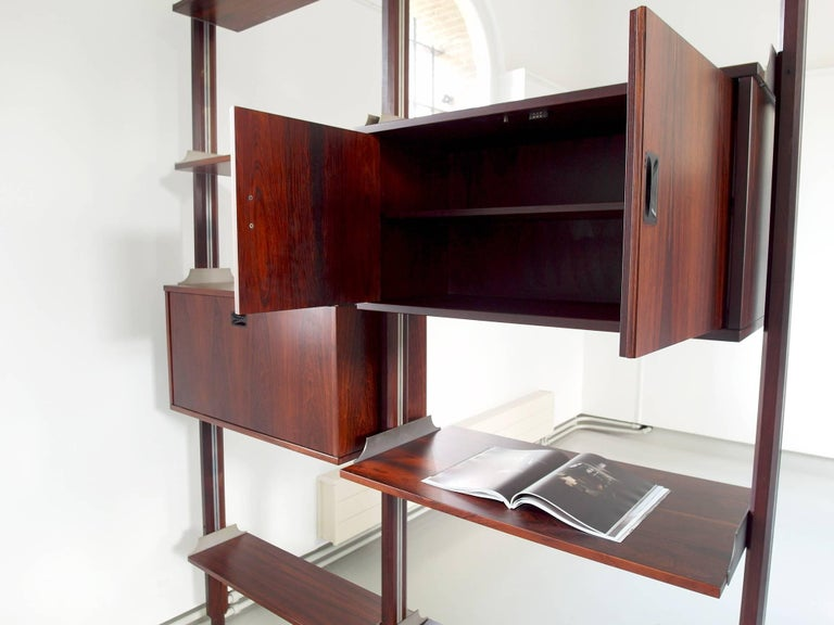 Hardwood Stildomus Shelving System Library Executed in Caviuna Wood, Italy, circa 1960 For Sale