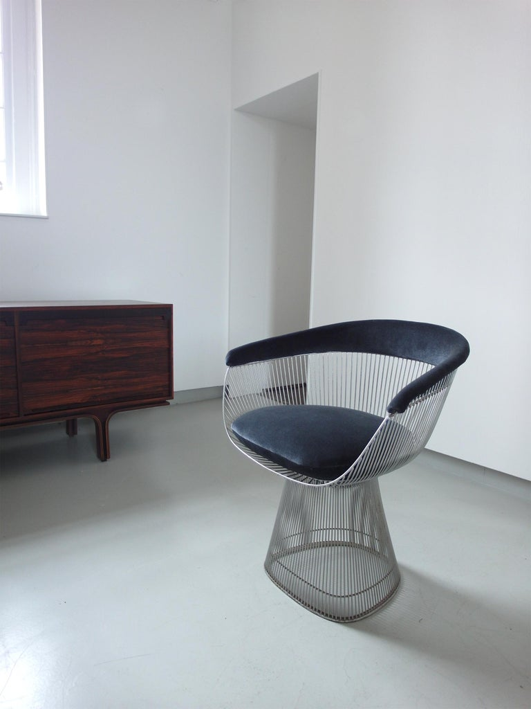 Elegant original, 1970s armchair designed by Warren Platner for Knoll, recently upholstered with a beautiful grey/blue velvet. In 1966, Warren Platner transformed steel wire into this sculptural chair, creating what is now considered a design icon