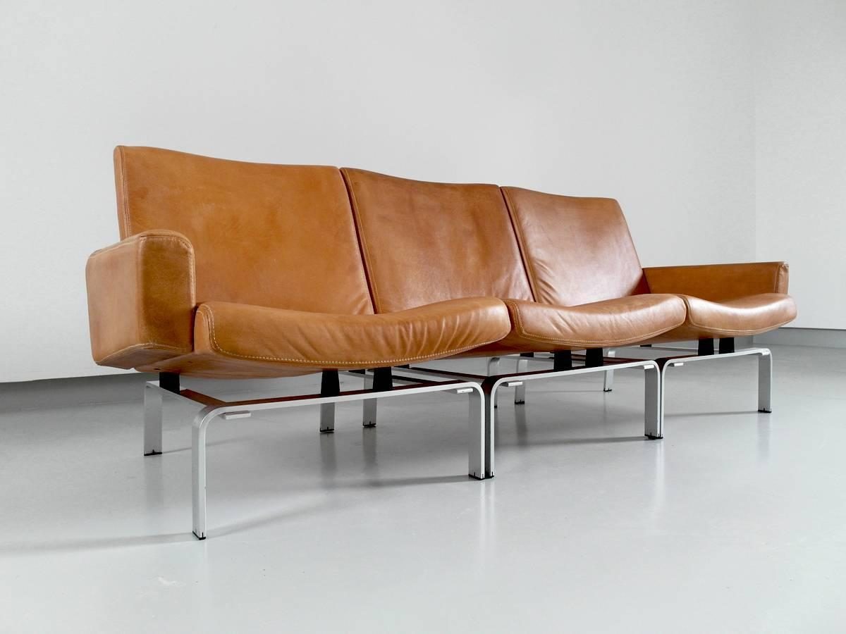 Exclusive j rgen h j leather and aluminium sofa for niels for Exclusive sofa