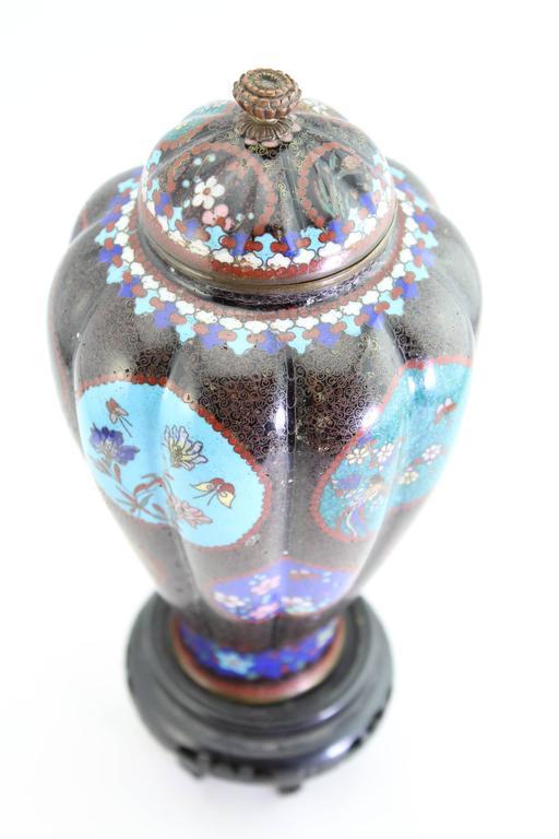 Antique Meiji Japanese Cloisonne Vase, circa 1890   In Excellent Condition For Sale In Dallas, TX
