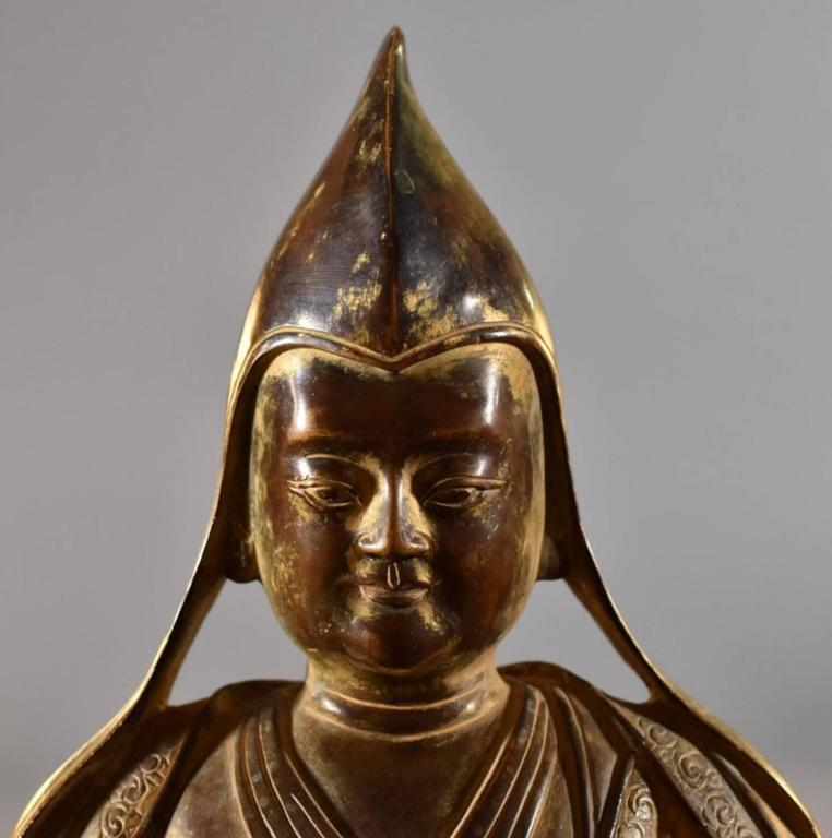 18th Century Sino-Tibetan Bronze Figure of Tsongkhapa Buddha In Excellent Condition In Dallas, TX