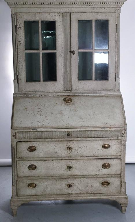 Hand-Crafted 19th Century Swedish Gustavian Secretary Cabinet Buffet Vitrine For Sale