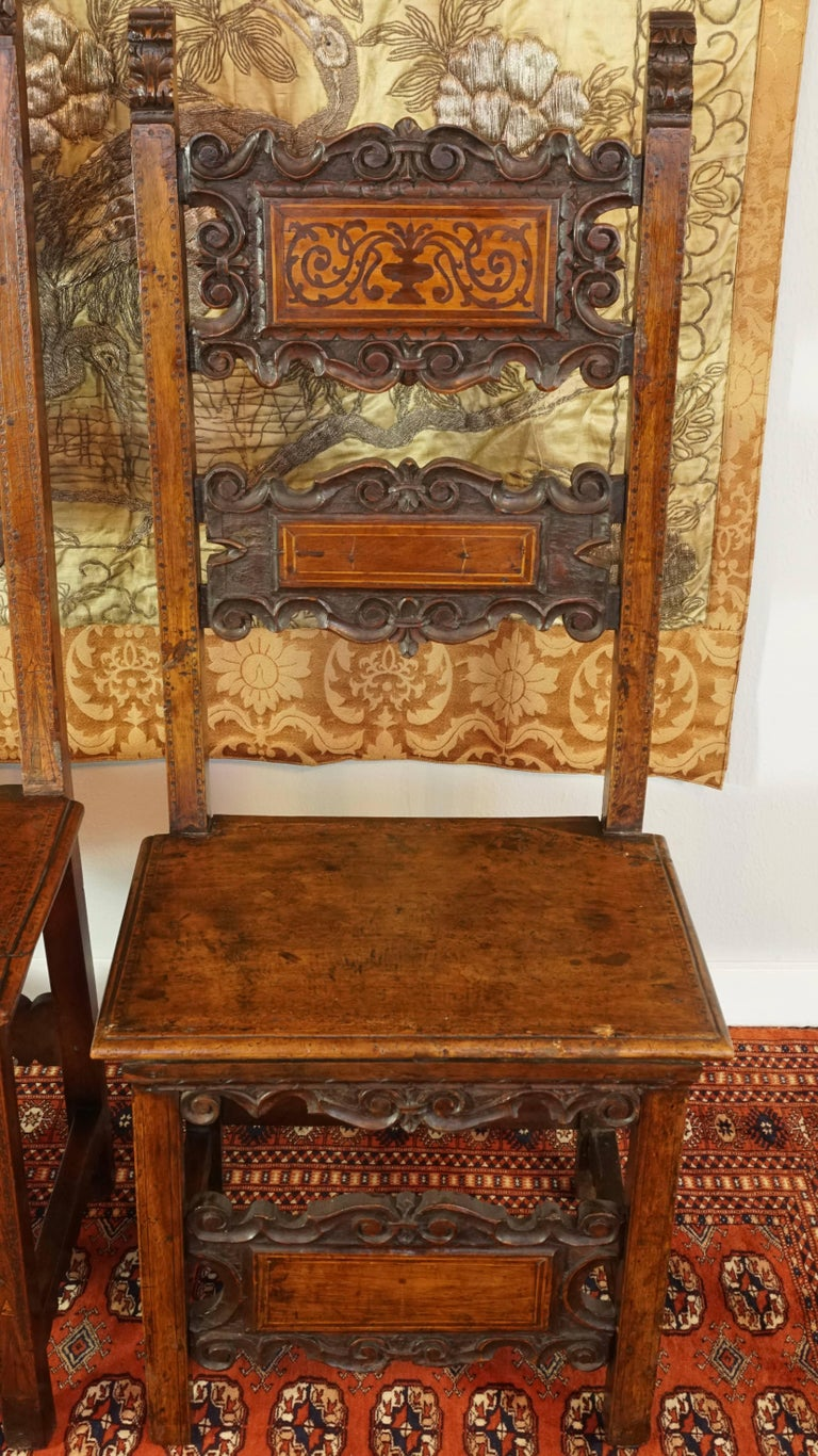 Wood 17th Century Pair of Lombardian Italian Swiss Carved Chairs For Sale