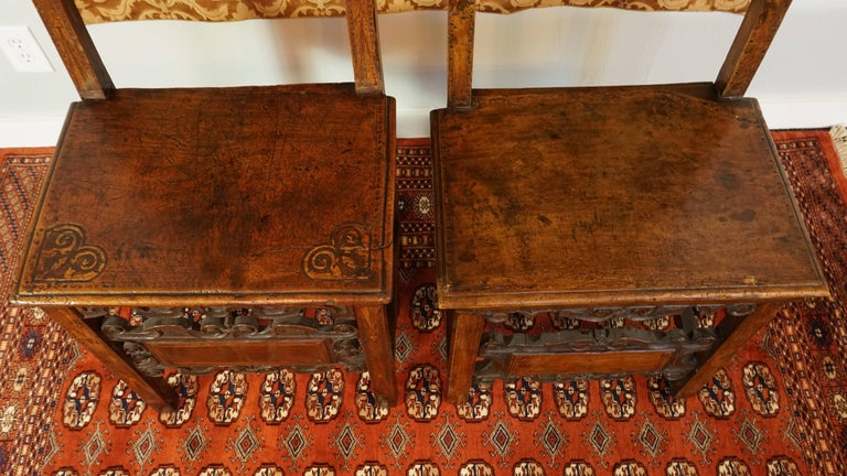 17th Century Pair of Lombardian Italian Swiss Carved Chairs For Sale 1