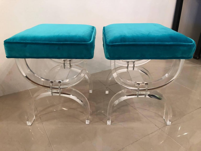 Hollywood Regency Vintage Pair of Lucite X-Benches Stools Blue Velvet Upholstery For Sale