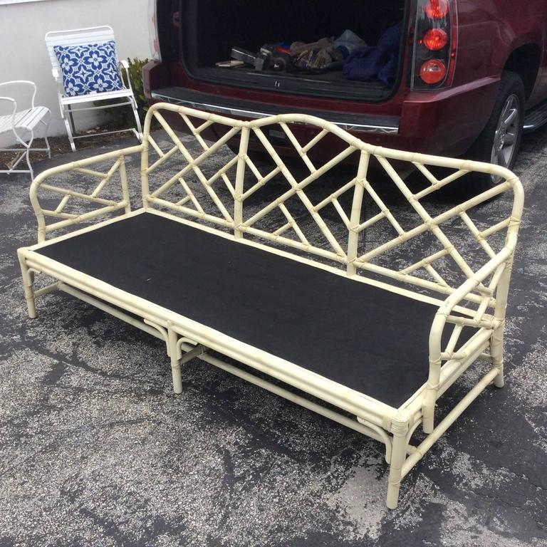 Great Vintage Chinese Chippendale Chinoiserie Faux Bamboo Rattan Fretwork Sofa Couch Hard To Find Piece