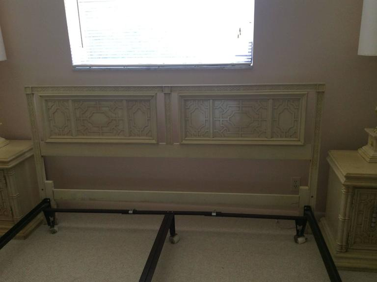 American Thomasville Headboard Vintage King-Size Fretwork Chinese Chippendale Bed For Sale