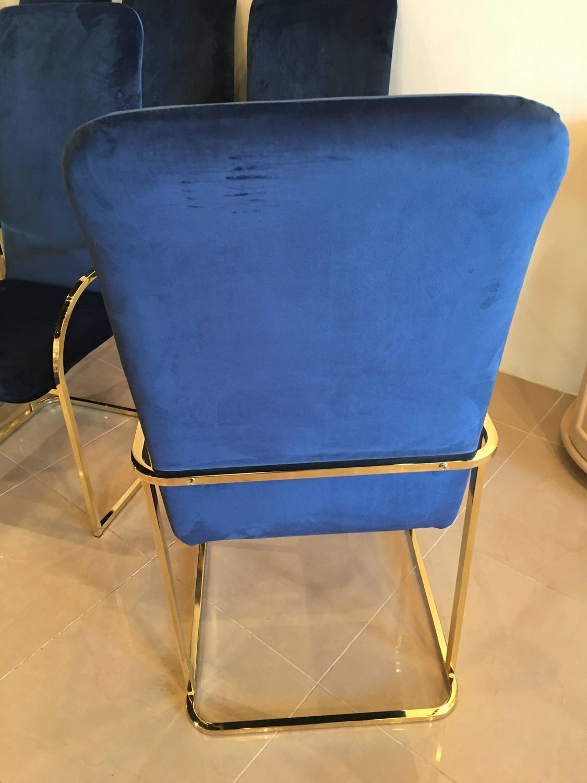 Set of Eight Brass DIA Dining Arm Chairs Navy Velvet  : IMG1483386533251z from www.1stdibs.com size 1125 x 1500 jpeg 101kB