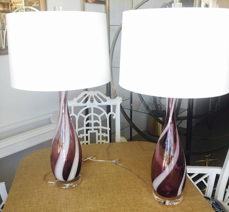 Pair Amethyst Purple Murano Vintage Glass Italian Table Lamps Lucite Chrome For Sale 1