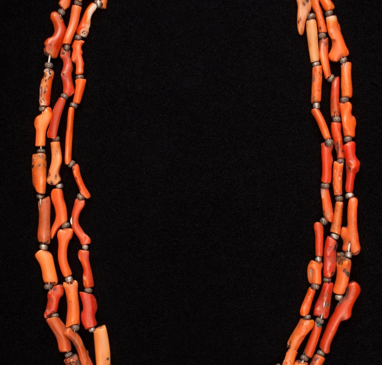 Hand-Crafted Early 20th Century Tribal Coral and Silver Pendant Necklace, Morocco For Sale
