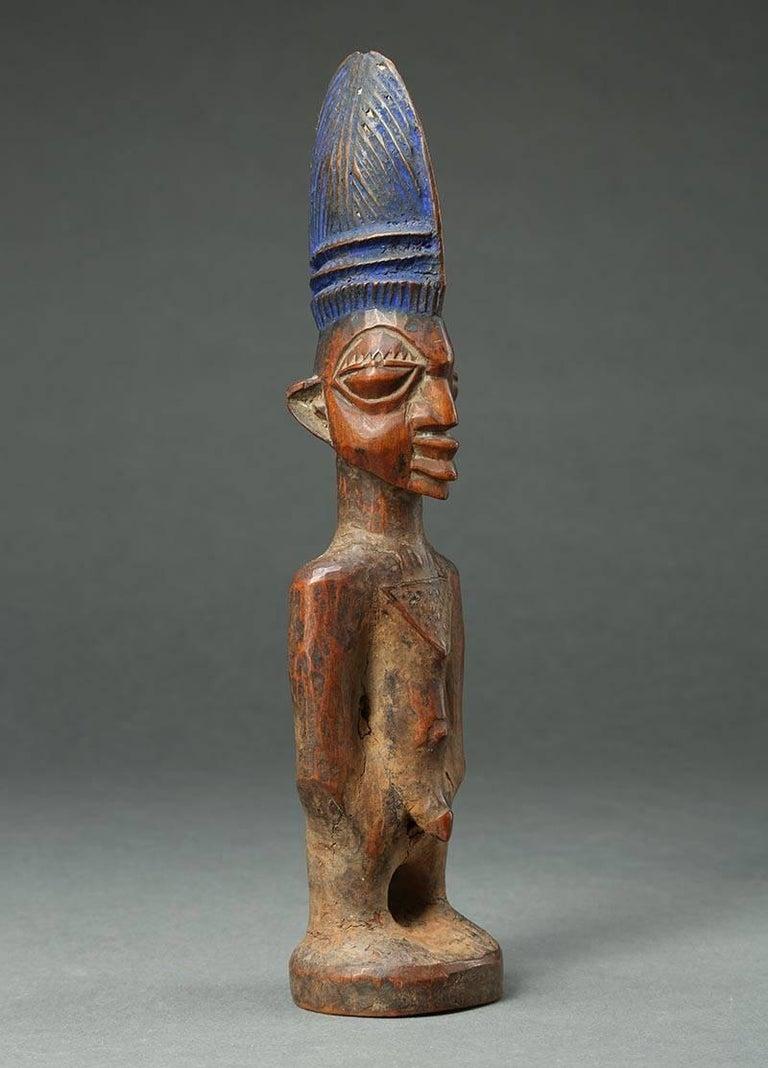 Yoruba Male Twin Figure, Ere Ibeji, Nigeria, African Tribal Art Tall Hair Style In Good Condition For Sale In Point Richmond, CA