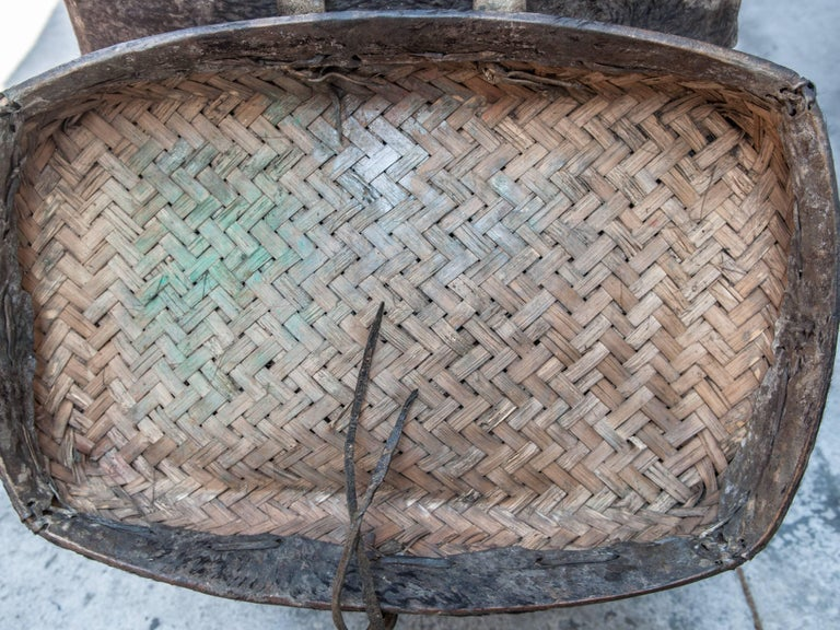 Tribal Storage Basket with Lid. Bhutan. Early to Mid-20th Century. Hide & Bamboo For Sale 3