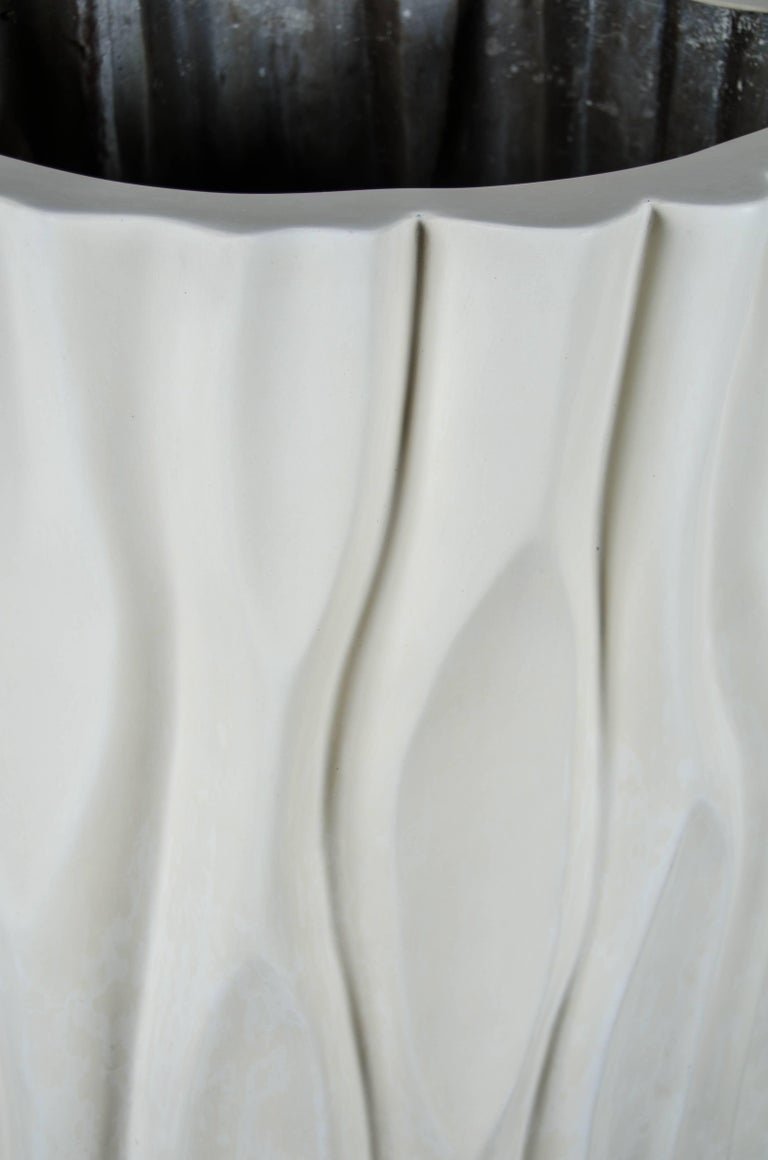 Repoussé The Tree Trunk Pot Large, Cream Lacquer by Robert Kuo, Limited Edition For Sale