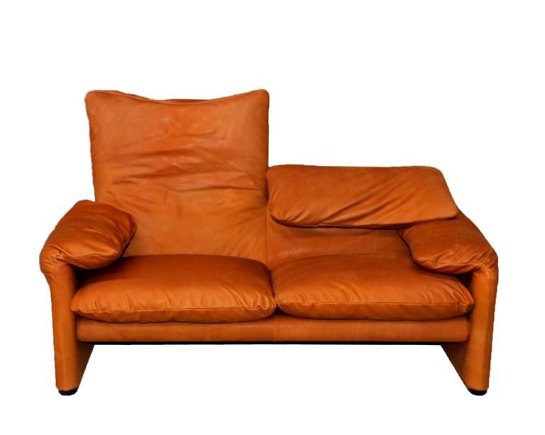 Vintage cognac leather maralunga sofas by vico for Cassina italy