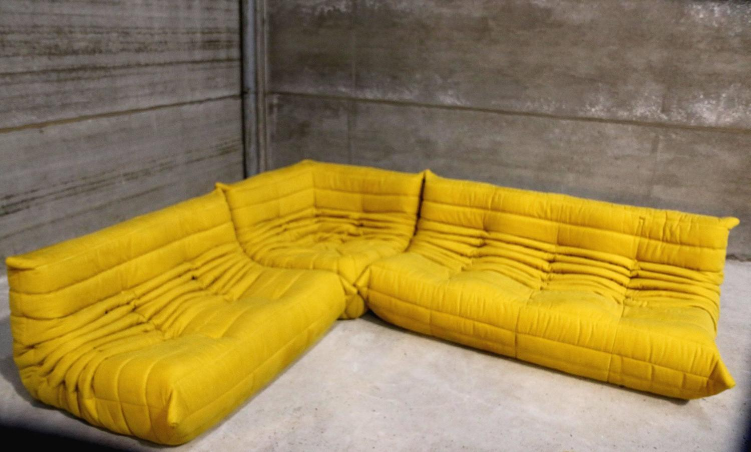 Vintage yellow togo sofa set michel ducaroy for ligne for Housse togo ligne roset