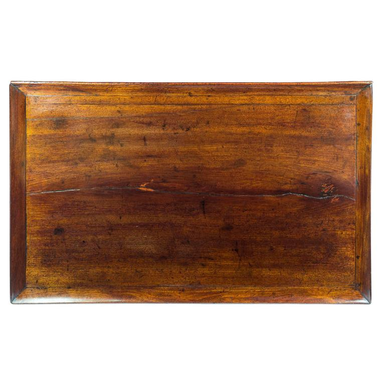 Hand-Carved English 18th Century Georgian Chippendale Mahogany Tray-Top Table For Sale