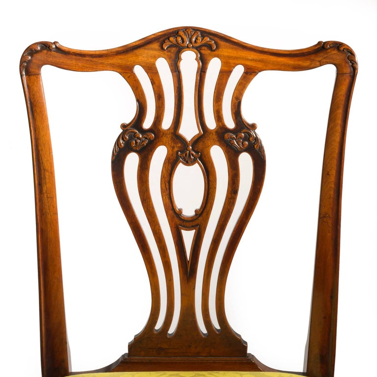 Set of Six English 18th Century George III Chippendale Mahogany Dining Chairs In Good Condition For Sale In London, GB
