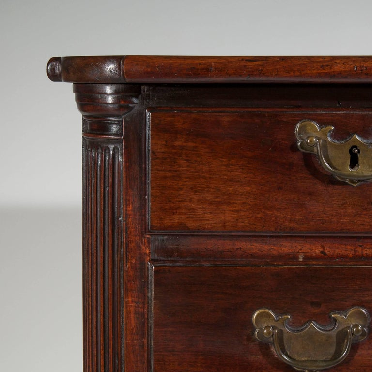 English 18th Century Small Georgian Mahogany Chest of Drawers For Sale 2