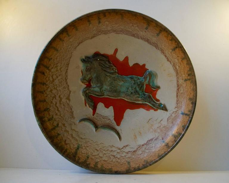 Unusual Mid-Century Stoneware Centrepiece 'Horse' Bowl by John Anderson Hoganas For Sale 1