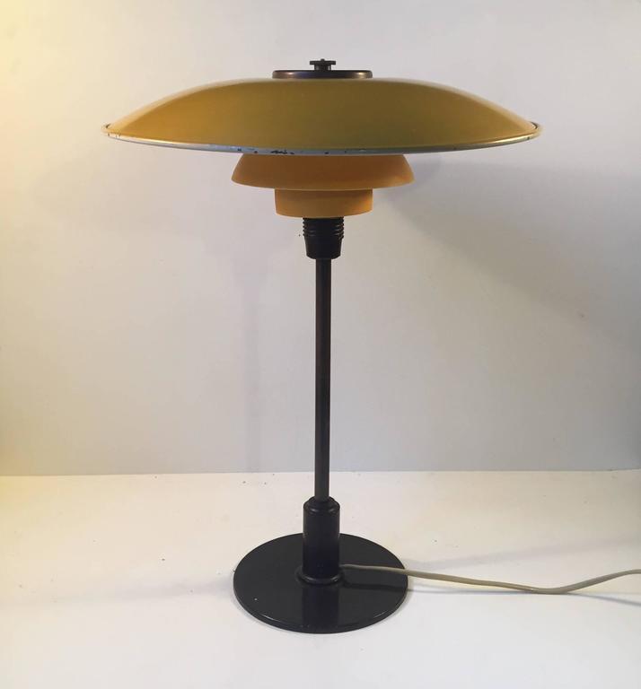 Danish 1930s PH 3,5/2 Table Lamp by Poul Henningsen for Louis Poulsen Denmark For Sale