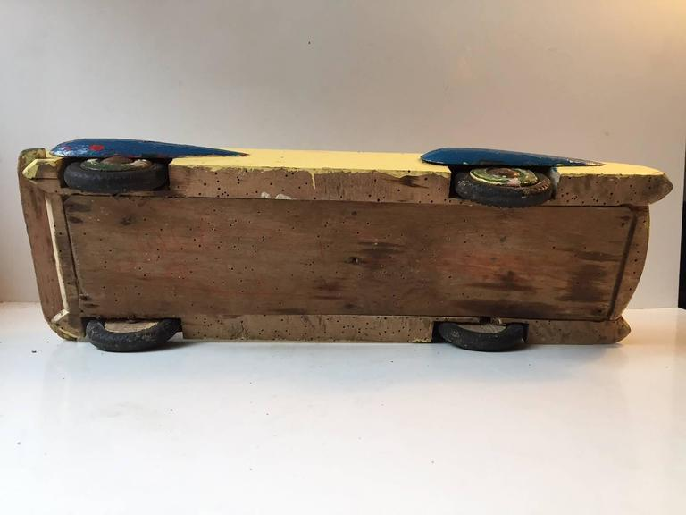 Unique, Decorative & Rustic 1930s Streamlined Wooden Toy Car with Dunlop Tires In Fair Condition For Sale In Esbjerg, DK