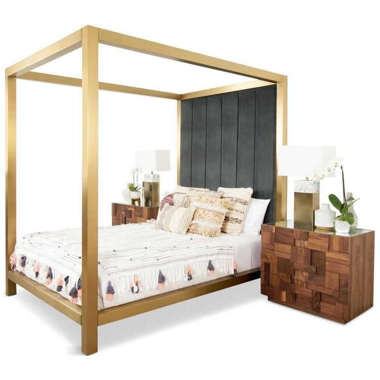 Create a beautiful and serene bedroom with the scotch and soda four-poster bed. A brushed brass frame features strong lines that define the boundaries of your sleep space and provides subtle cues to leave your worries and busy day on the outside. A