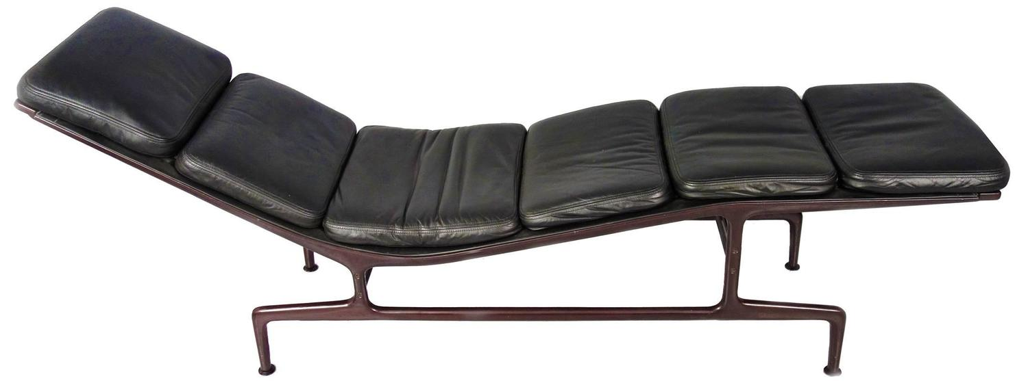 Billy Wilder Chaise Longue By Charles And Ray Eames At 1stdibs