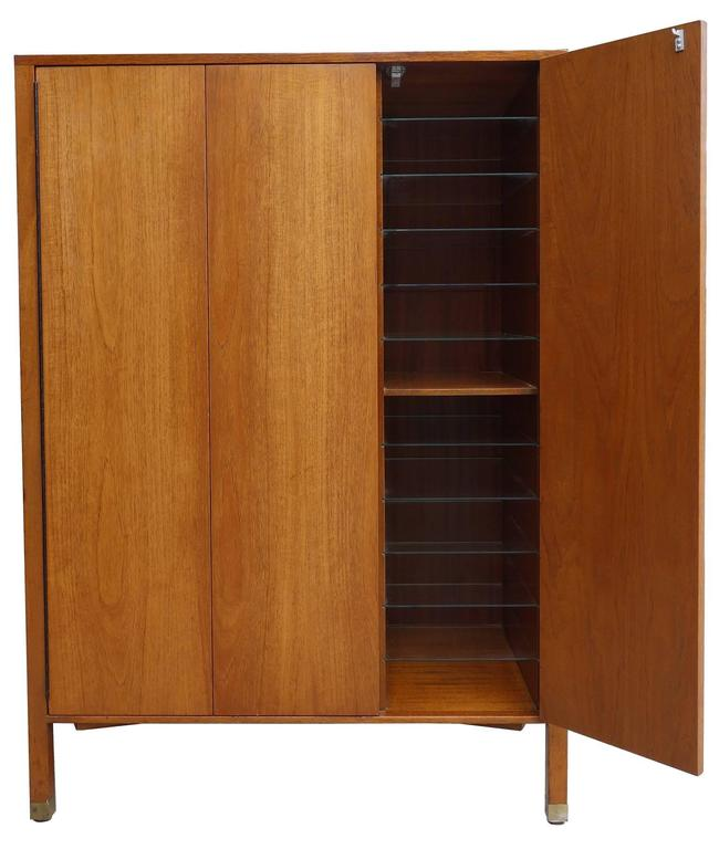 Mid-Century Modern Mid-Century Harvey Probber Gentleman's Chest For Sale