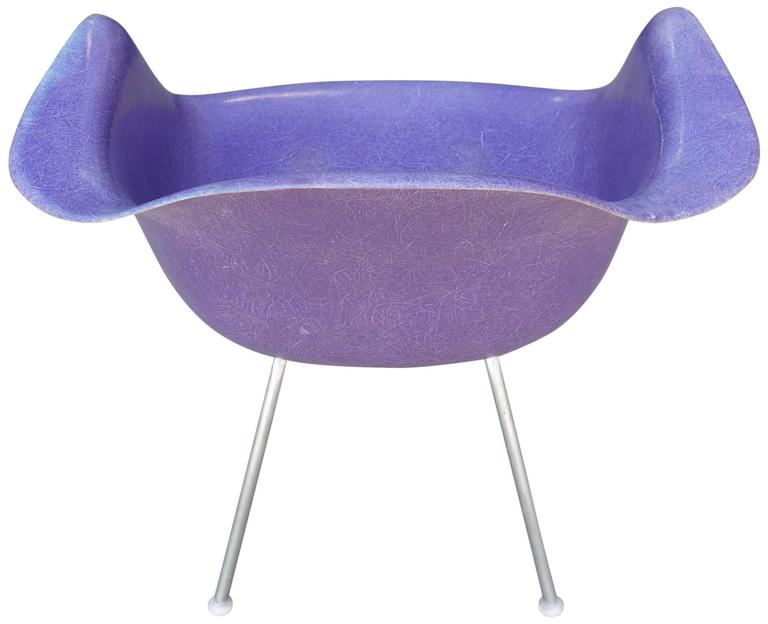 American Mid-Century Eames LAX Lounge Armchair in Rarest Purple Color For Sale
