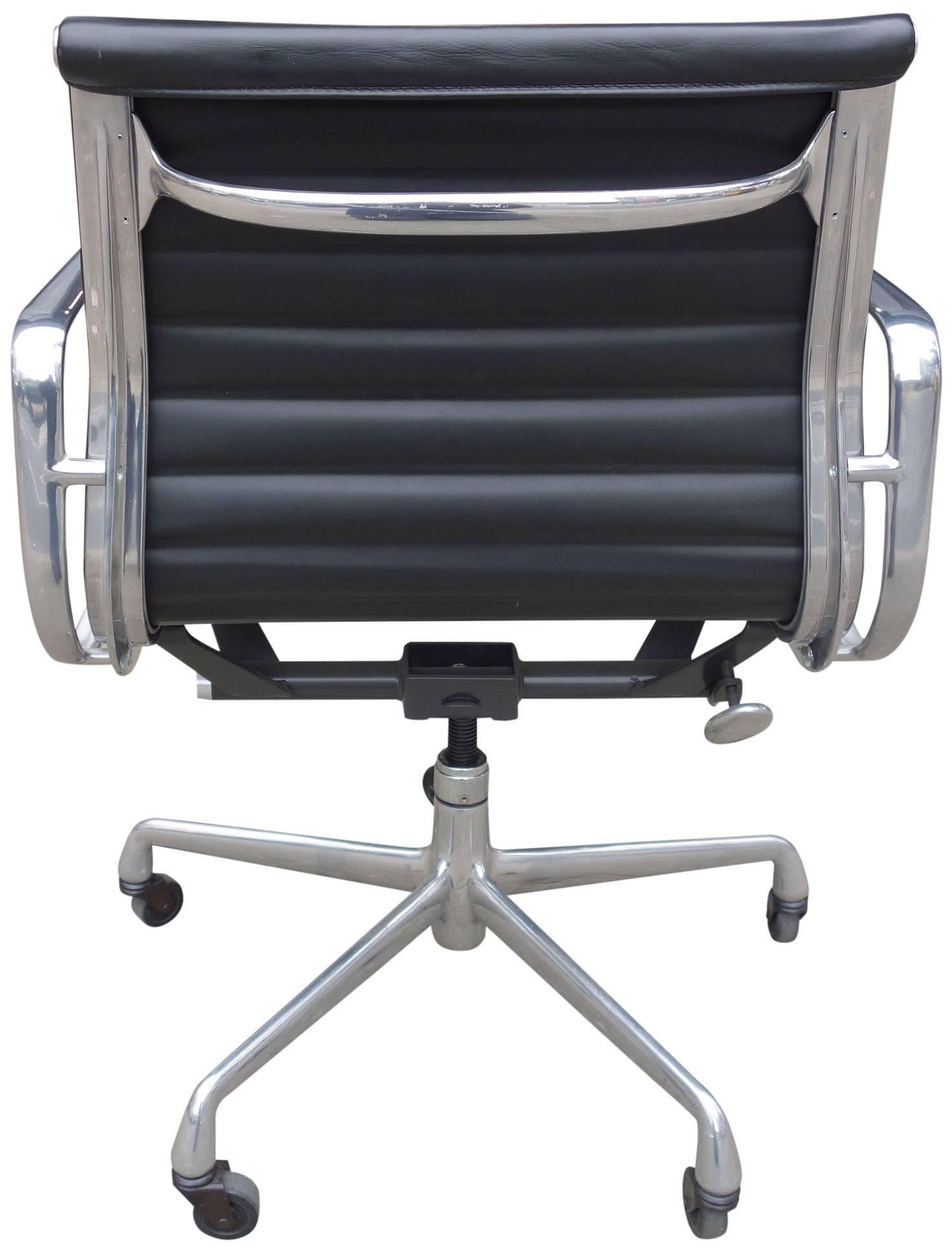 Mid Century Modern Midcentury Eames Aluminium Group Management Chairs For  Herman Miller For Sale