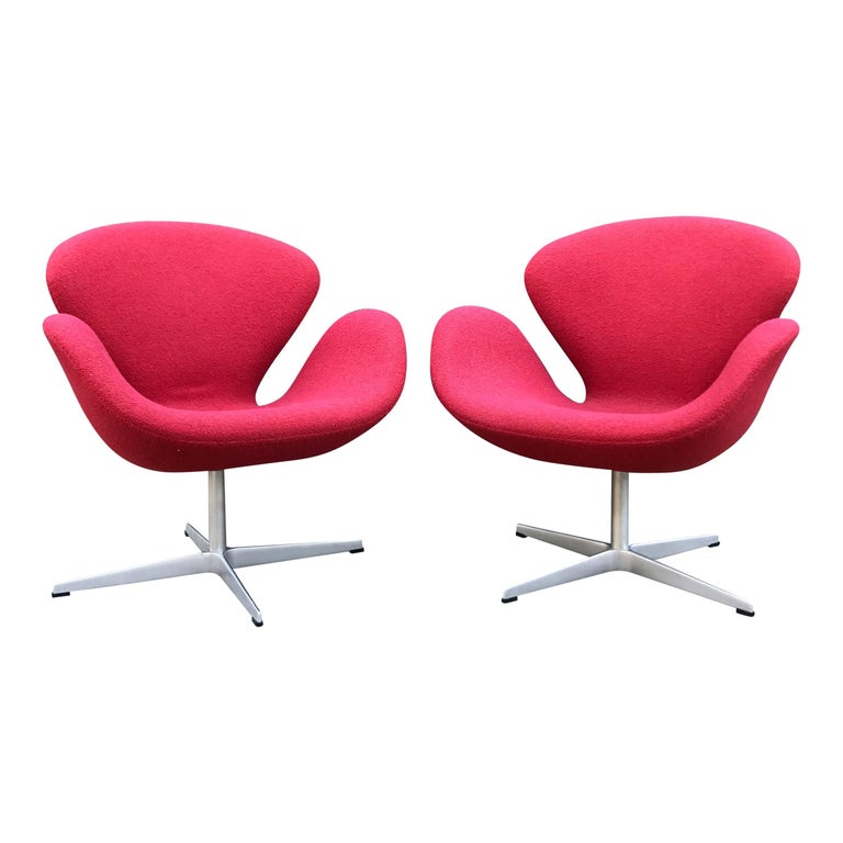 Arne Jacobsen for Fritz Hansen Danish Modern Swan Chairs