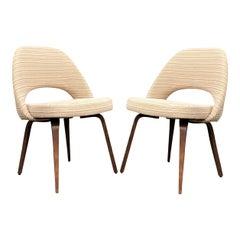 Eero Saarinen for Knoll Side Chairs on Wooden Legs