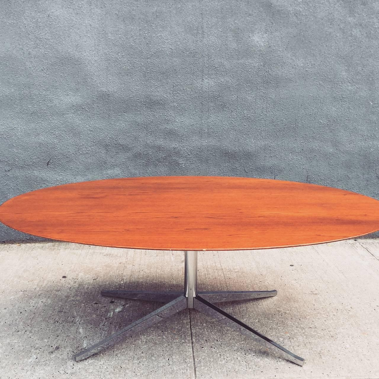 Florence Knoll Oval Table Desk in Brazilian Rosewood at