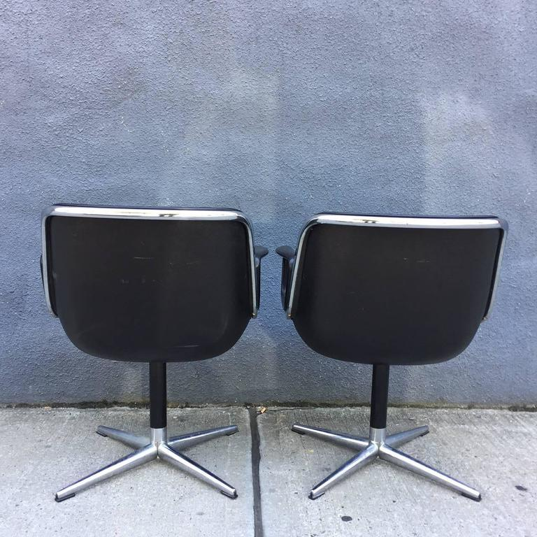 Pair of Early Charles Pollock for Knoll Accent Chairs In Good Condition For Sale In BROOKLYN, NY