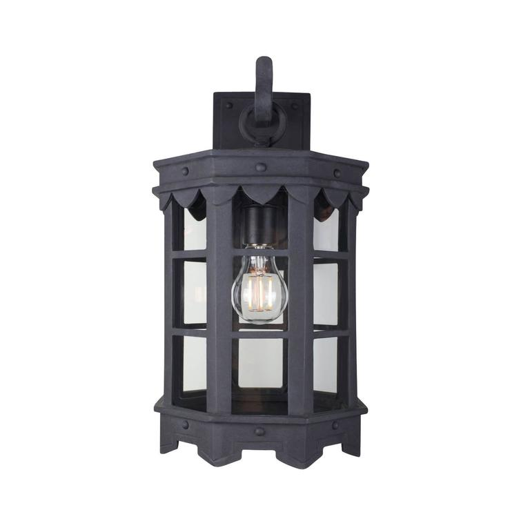 Our De La Guerra lantern has Mediterranean style precedence with historic profiles and contemporized geometric lines. A striking fixture during the day but even more so at night when the patterned hem casts intricate shadows. Max Wattage: 60, one